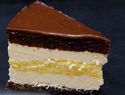 """На радость сладкоежкам: торт """"Птичье молоко"""" с манкой и лимоном"""