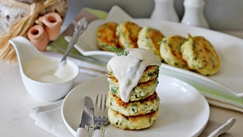 Порадуйте своих домашних вкусным завтраком: 10 рецептов сырников