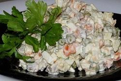 Обязательное блюдо новогоднего стола (и не только): салат оливье классический рецепт