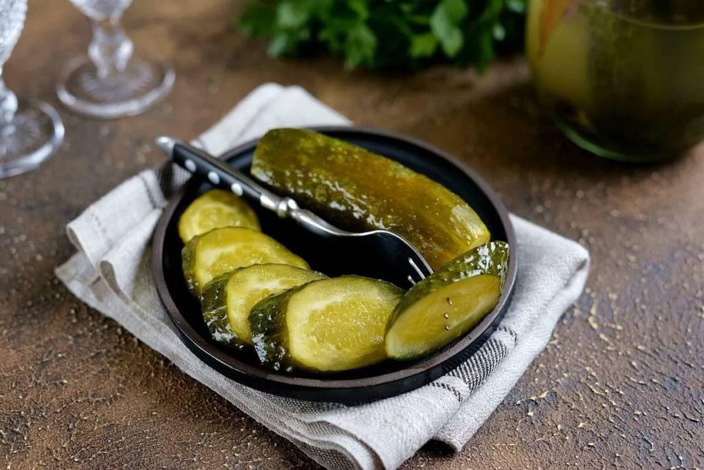 5 рецептов приготовления соленых огурцов на зиму в банках горячим способом