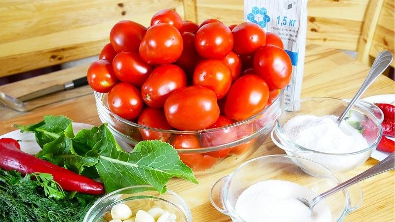 Вкусные соленые помидоры в банках как бочковые: проверенные рецепты заготовок