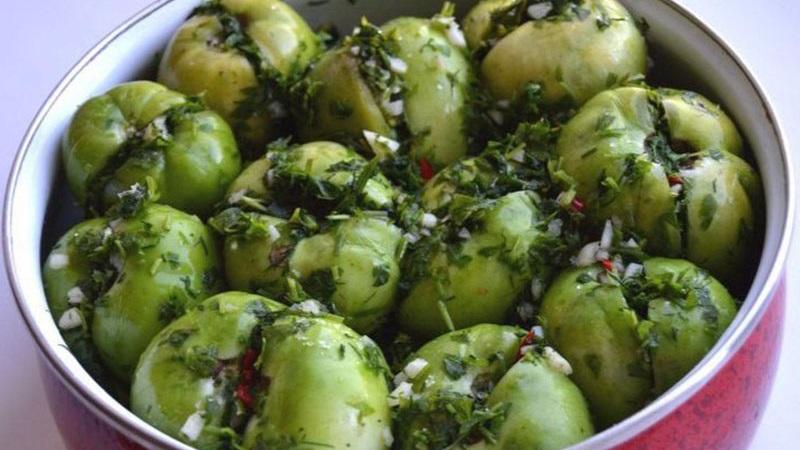 Секреты опытных хозяек: зеленые помидоры квашеные быстрого приготовления