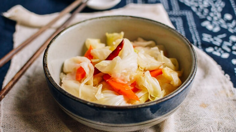Лучшие рецепты заготовок на зиму: как правильно замариновать капусту с острым перцем