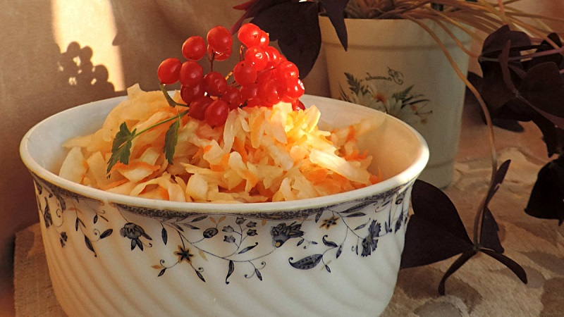 Капуста квашеная кусками на зиму - рецепты (очень вкусные!) помогут в приготовлении заготовок