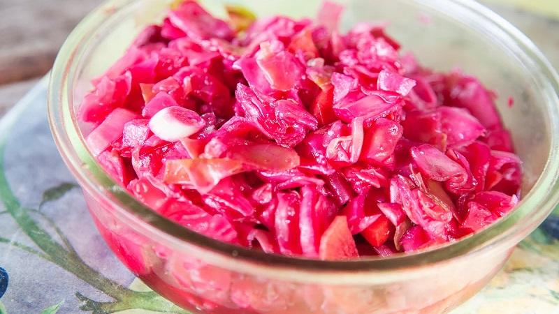 Вкуснейшая капуста квашеная со свеклой: рецепт без уксуса в различных вариациях