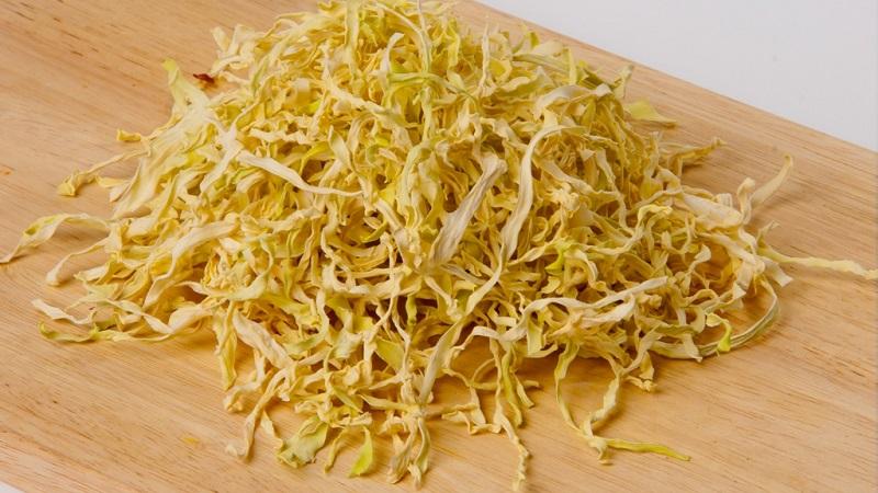 Чем полезна капуста сушеная, как заготовить и использовать продукт