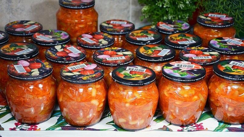 Интересная закуска для будней и праздников: капуста в томатном соке на зиму