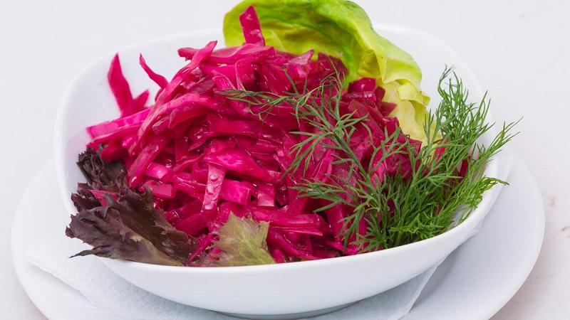 Золотые рецепты вкусных заготовок: квашеная капуста с хреном и свеклой