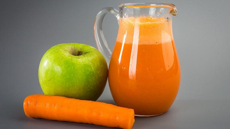 Польза в каждом стакане: сок из яблок и моркови на зиму из соковыжималки и через мясорубку, а также с добавлением других овощей