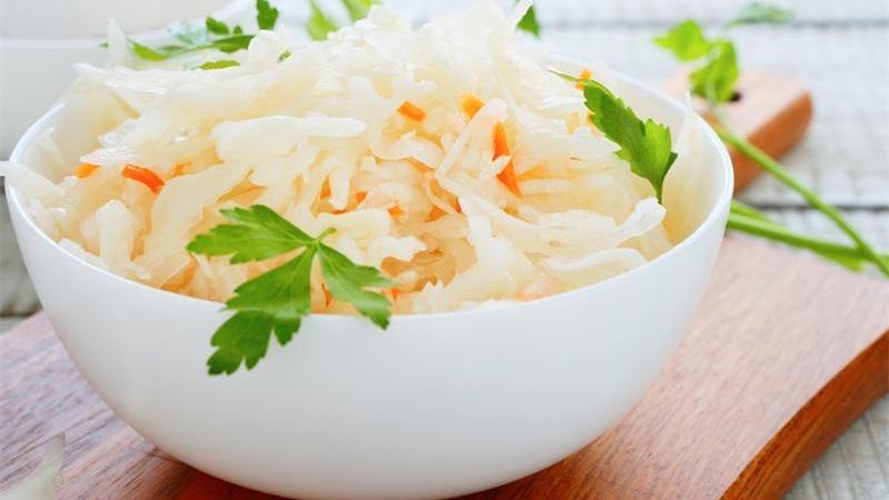 Делаем заготовки по лучшим рецептам: капуста маринованная сладкая