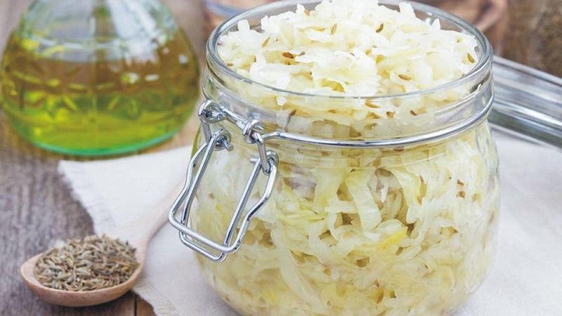Квашеная капуста с сахаром: рецепт в собственном соку, в рассоле, с добавлением клюквы и других компонентов