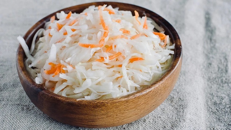 Правильное квашение капусты по бабушкиному рецепту и его вариации с добавлением простых ингредиентов