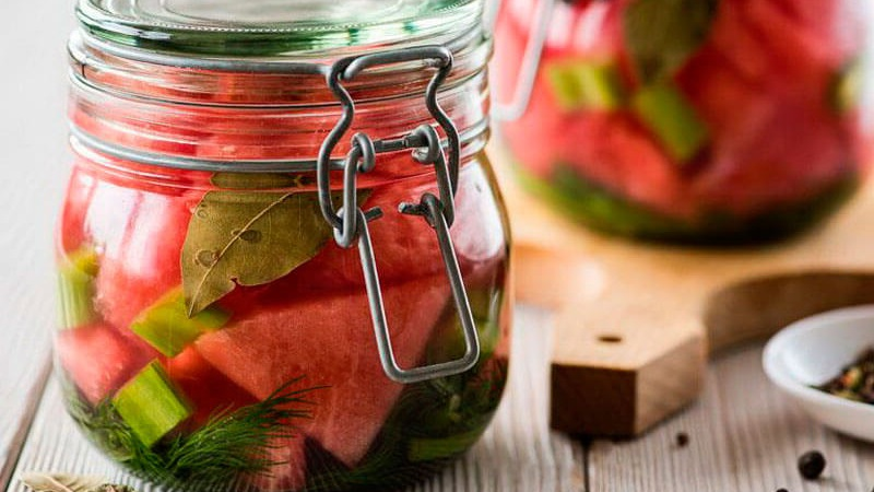 Как приготовить арбузы на зиму в банках: рецепты и советы опытных хозяек