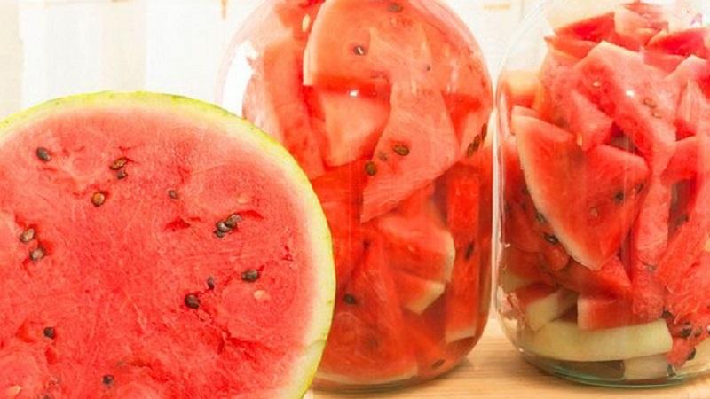 Как приготовить арбузы в собственном соку на зиму в банках: рецепты и советы хозяйкам