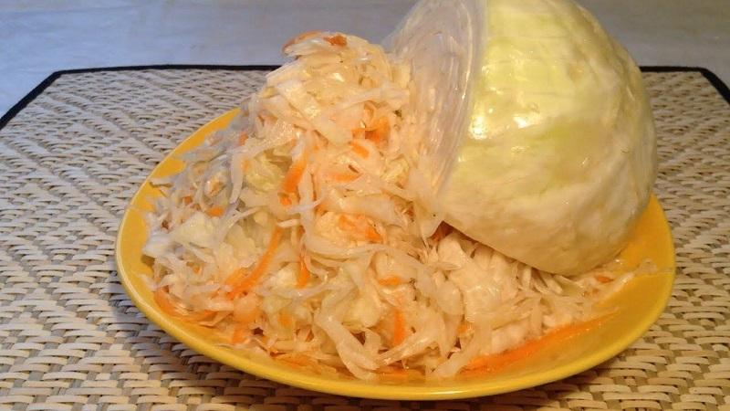 Проверенные рецепты в вашу коллекцию: как засолить капусту, чтобы она была хрустящей