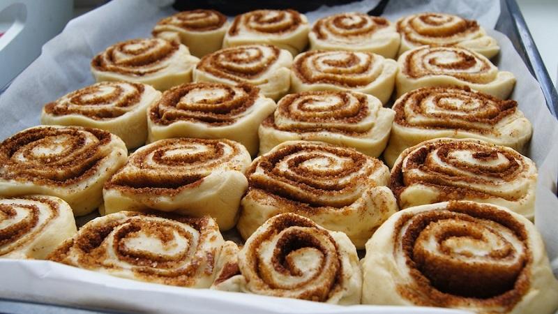 Популярные в Европе и Америке булочки синнабоны с корицей: рецепт классический и его лучшие вариации
