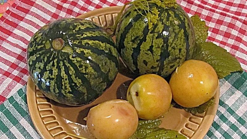Как засолить арбузы в бочке на зиму целыми: рецепт приготовления в домашних условиях