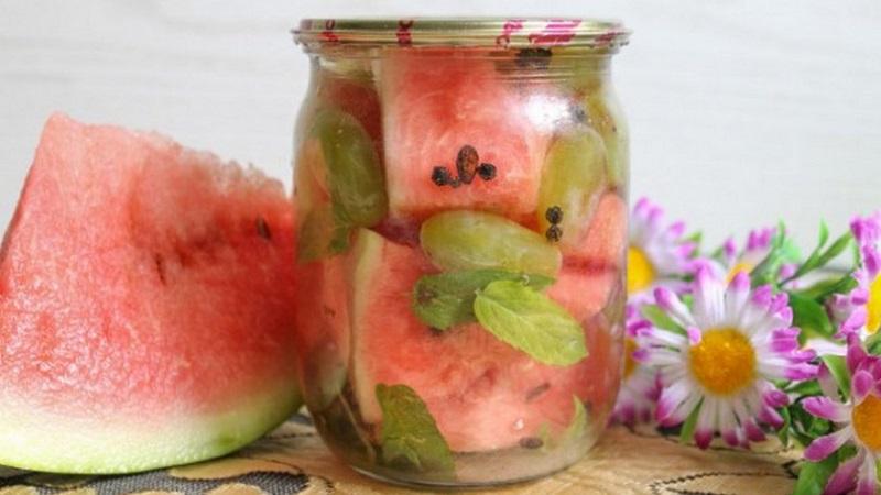 Вкусный рецепт арбузов на зиму в банках с лимонной кислотой и другими ингредиентами