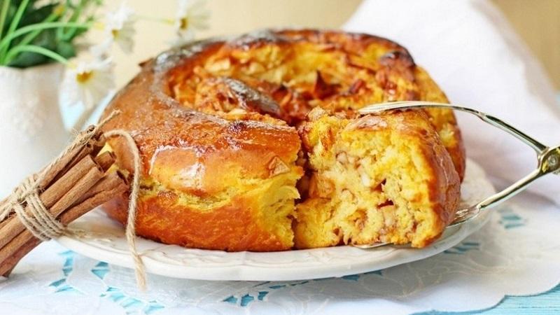 Самый вкусный яблочный пирог: рецепт в различных вариациях, который вы сможете быстро приготовить дома