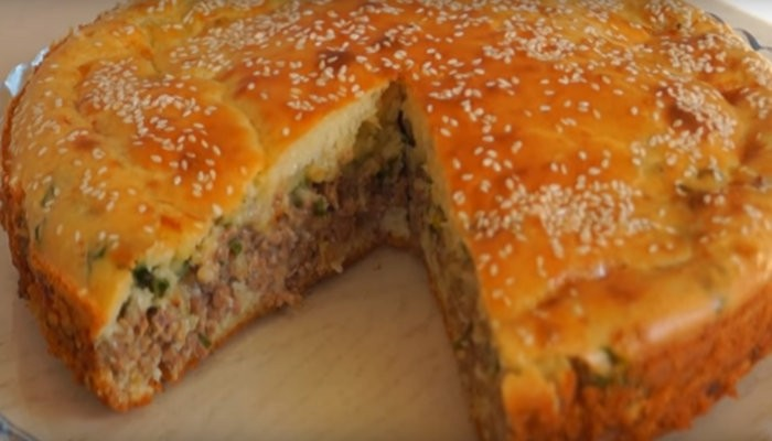 ТОП-6 лучших вкусных рецептов пирога с мясом в духовке на Новый год 2021
