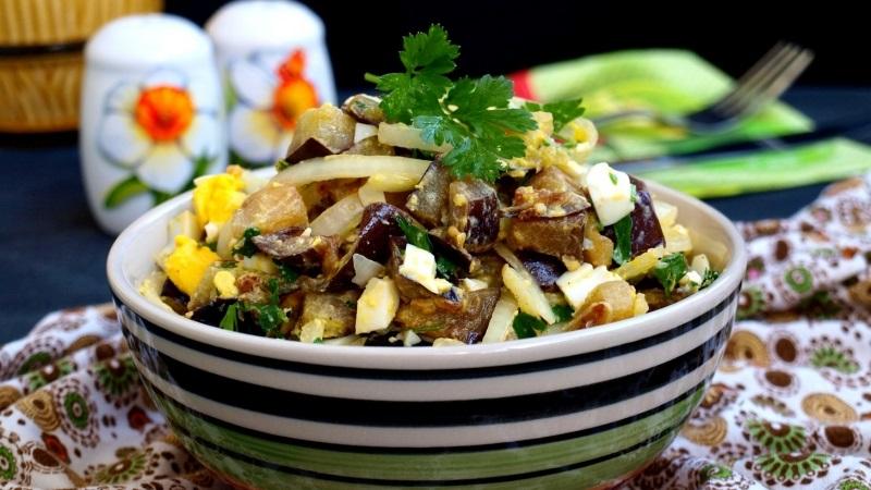 Интересные праздничные салаты, рецепты которых не оставят равнодушными ваших гостей