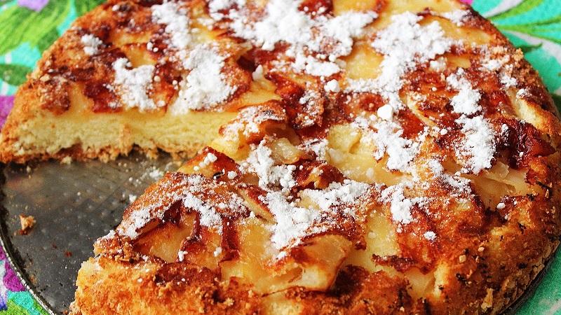 Шарлотка с яблоками: рецепт выпечки разными способами