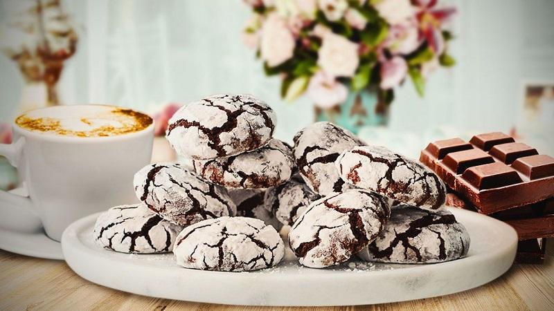 Готовим вкусное угощение: шоколадное печенье на новогодний стол и не только