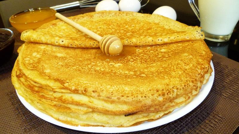 Самые вкусные блины на кефире и молоке: рецепт приготовления