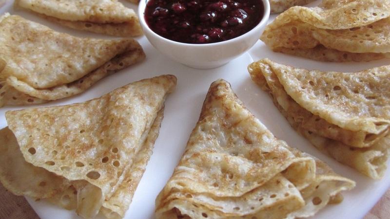 Вкусная выпечка, которую можно кушать во время поста: рецепт постных блинов